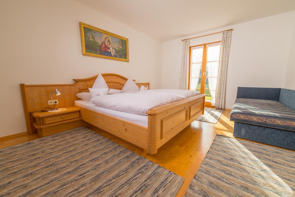 Elternschlafzimmer in der Ferienwohnung Brauneck
