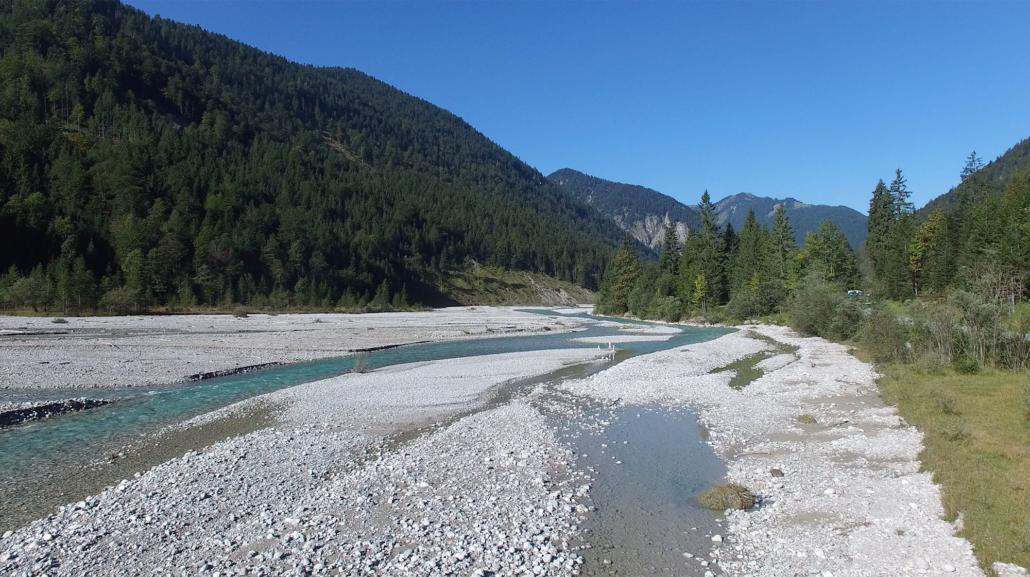 Ursprüngliche Wildflusslandschaft
